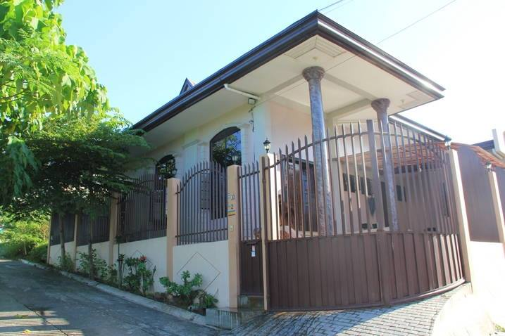 House and Lot for Sale: Vincent Heights, Damosa